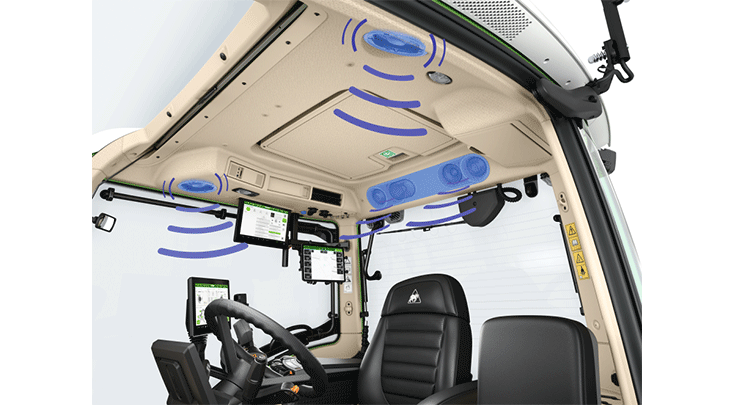 A view of the cab of the Fendt 500 Vario with Infotainment Package and 4.1 sound system.