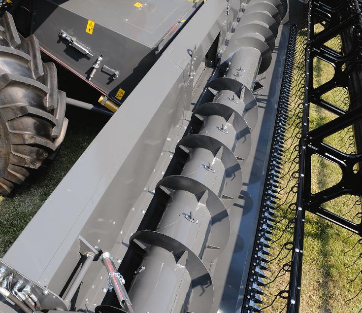 Nahaufnahme FreeFlow Schneidwerk. Am FreeFlow Schneidwerk erhöhen Einzugsfinger, die über die gesamte Breite angeordnet sind, den Durchsatz der Einzugsschnecke.