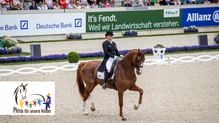 Die deutsche Dressurreiterin Isabell Werth mit ihrem Pferd Bella Rose