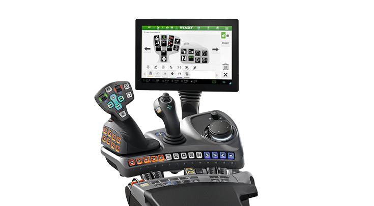 """Fendt 500 Varion Power+Setting 2, jossa on 12"""" pääte ja joystick"""