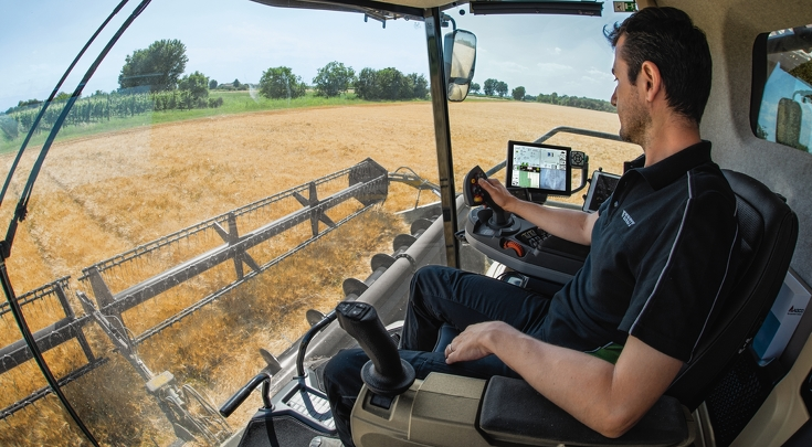 The workplace of the Fendt IDEAL.