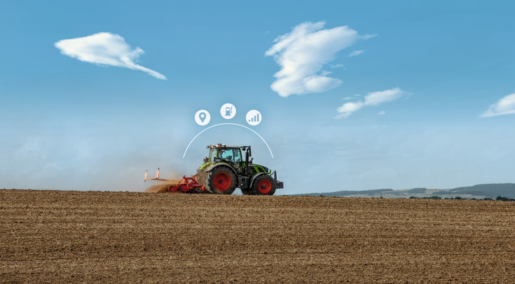 The Fendt 500 Vario in the field with icons.