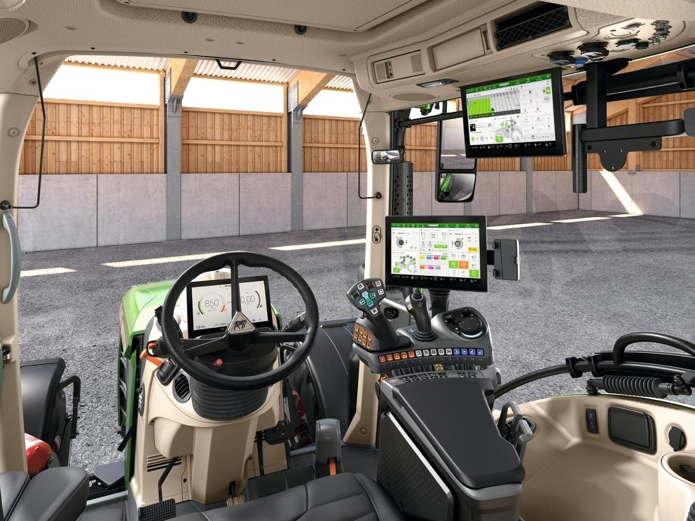 Kabina nowego ciągnika Fendt 500 Vario z systemem FendtONE i całym wyposażeniem dodatkowym.